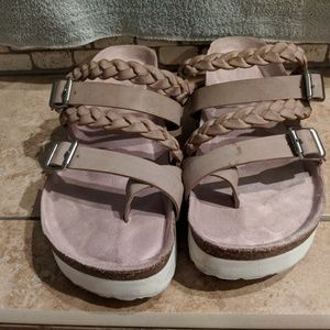 Shoes - Braided sandals